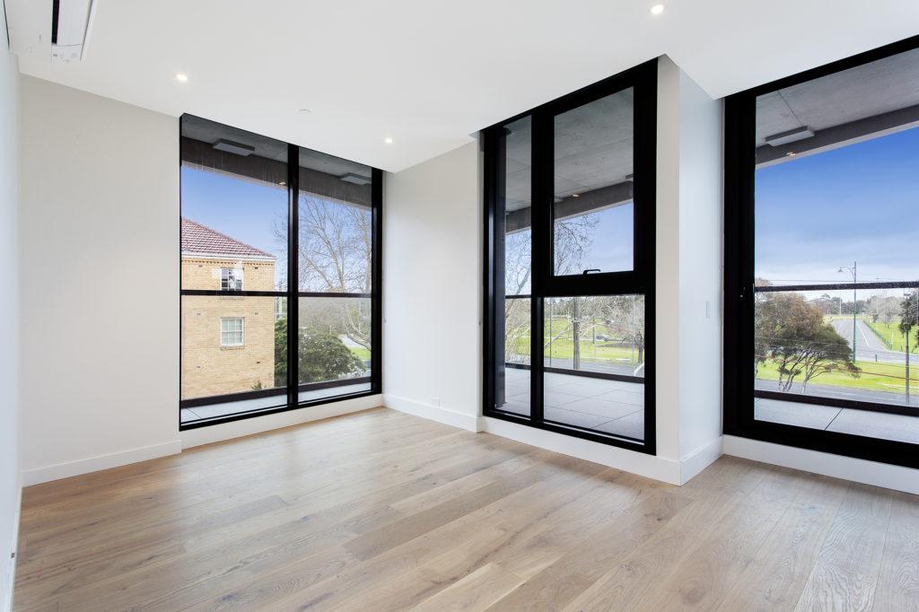 205 77 Queens Road Melbourne Ritz Property Management